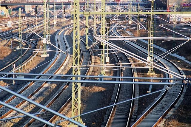 Rieles del S-Bahn de Berlín - ph: https://pixabay.com/users/kranich17-11197573/